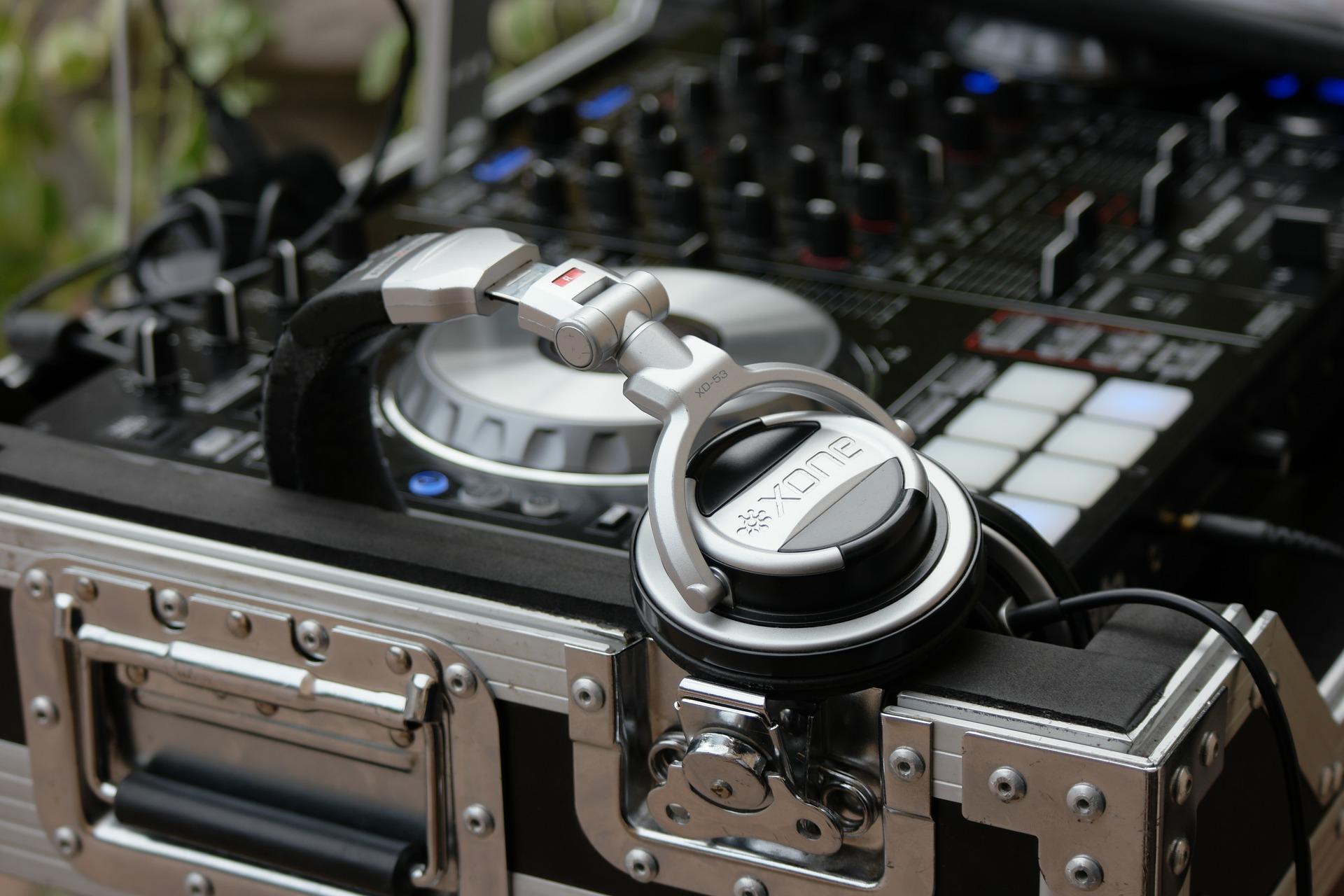 Wir vermitteln ausschließlich DJs mit jahrelanger Erfahrung.